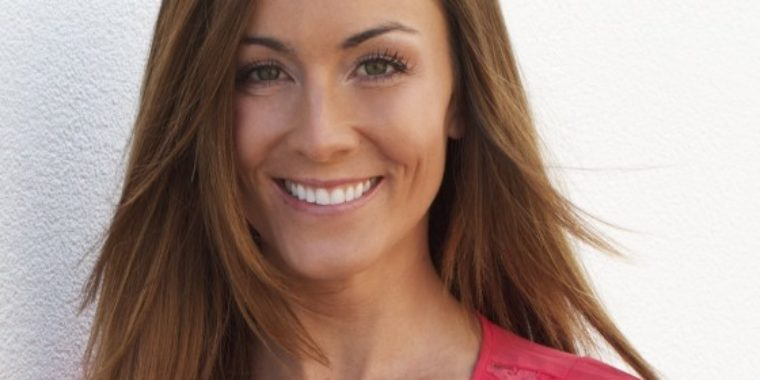 Amanda Lindhout Author Photo Credit To Steve Carty E1374082083167 560X280