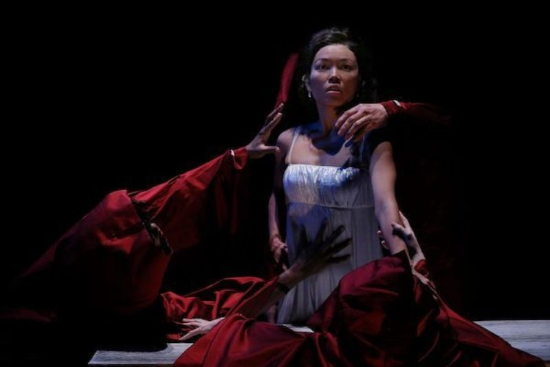 ACT Dracula Khanh Doan as MINA MURRAY Photo credit Chris Bennion